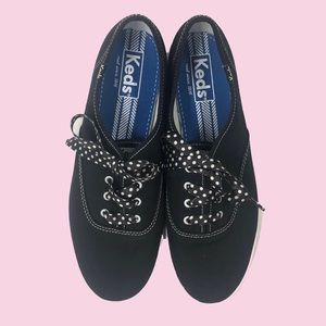 Keds NWOT Sneaker With Polka Dot Laces